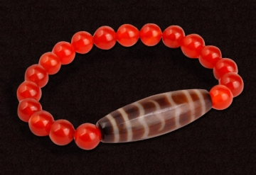 The Huge Fabulous Bird Dzi with 8mm Red Agate